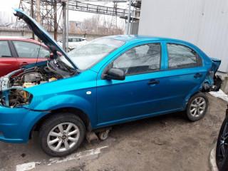 В разборе автомобиль Chevrolet Aveo T250